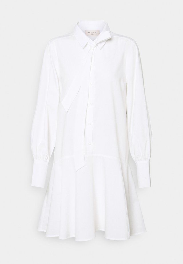 FQFLYNN - Shirt dress - offwhite