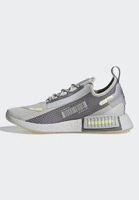 adidas Originals - NMD_R1 SPECTOO UNISEX - Sneakersy niskie - grey one/grey three/yellow tint - 5