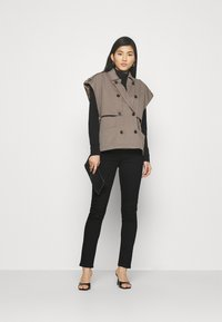 Marks & Spencer London - SLIM - Slim fit jeans - black - 1