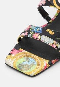 Versace Jeans Couture - Sandály - multicolor - 6