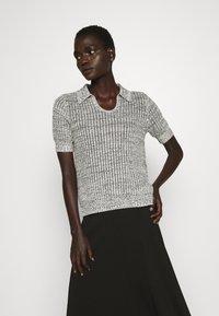 Proenza Schouler White Label - T-shirt imprimé - ecru - 0