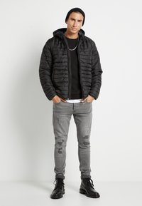 Only & Sons - ONSPAUL QUILTED HOOD JACKET - Light jacket - black - 1