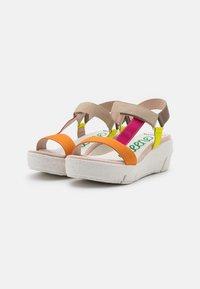 Wonders Green - Platform sandals - orange - 2