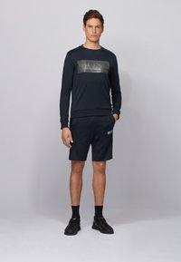 BOSS - SALBO BATCH Z - Langærmede T-shirts - dark blue - 1