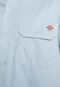 Dickies - WOLVERTON  - Skjorter - fog blue - 4
