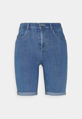 ONLRAIN LIFE MID LONG - Shorts di jeans - medium blue denim