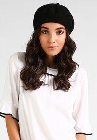 Vero Moda - Bonnet - black - 1