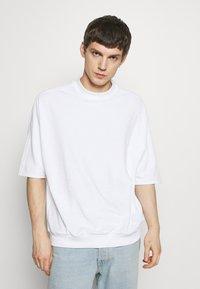Hummel Hive - PEER LOOSE - Print T-shirt - white - 0