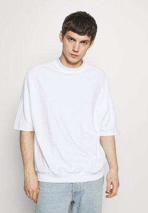 PEER LOOSE - Print T-shirt - white