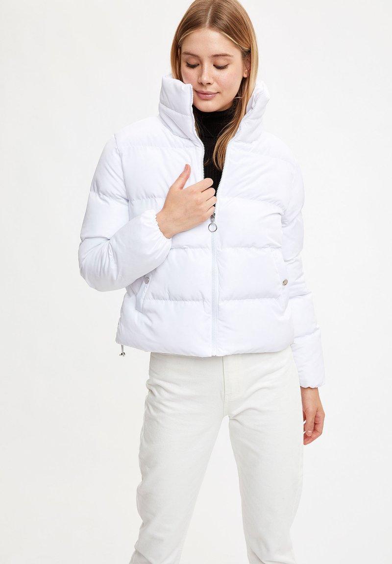 DeFacto Winterjacke - white/weiß DdbhY1