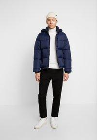 Hollister Co. - PUFFER HOOD  - Winter jacket - navy - 1