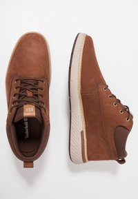 Timberland - CROSS MARK PT CHUKKA - Trainers - cognac - 1