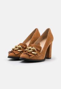 Selected Femme - SLFMEL - Escarpins à talons hauts - sudan brown - 2