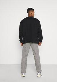Weekday - NATHAN - Sweatshirt - black - 2
