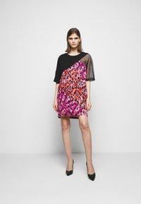 Just Cavalli - Denní šaty - fuxia variant - 1