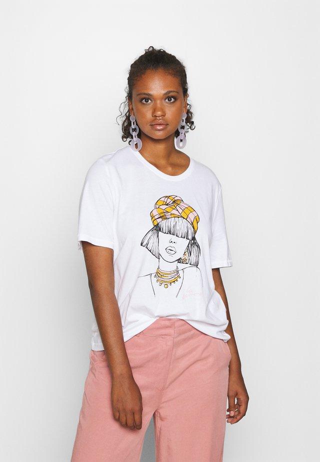 ONLVIOLET LIFE BOXY  - Camiseta estampada - bright white