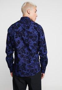 Twisted Tailor - ARMADA - Skjorter - blue - 2