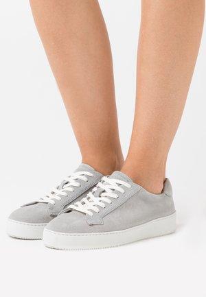 SALASI  - Sneaker low - light grey
