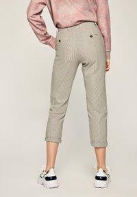 Pepe Jeans - MARIETA - Spodnie materiałowe - light brown - 2