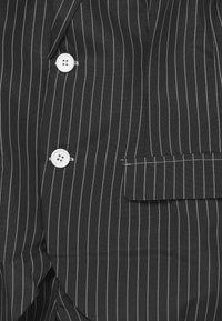 Suitmeister - BOYS GANGSTER PINSTRIPE SET - Kostým - black - 3