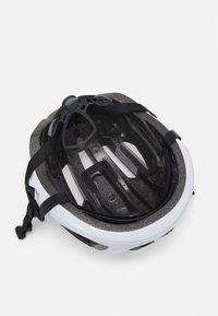 Oakley - ARO3 LITE EUROPE - Helmet - white - 3