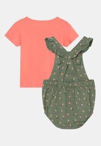 Carter's - SET - Print T-shirt - khaki/light pink - 1