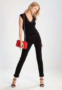 Morgan - DTAG - Print T-shirt - noir - 1
