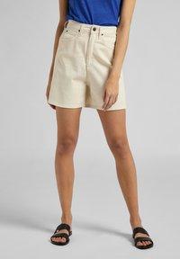 Lee - Jeans Short / cowboy shorts - ecru - 0