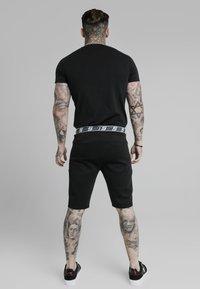 SIKSILK - Basic T-shirt - black - 2