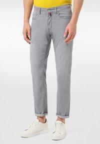 Pierre Cardin - LYON - Jeans Tapered Fit - grey - 0