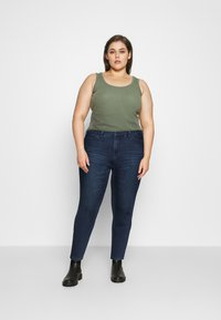 Vero Moda Curve - VMLORAEMILIE - Slim fit jeans - dark blue denim - 1