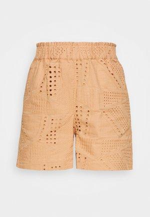YASSADO - Shorts - sandstorm