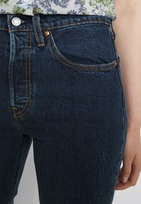 Levi's® - 501 CROP - Jeans a sigaretta - salsa stonewash - 4