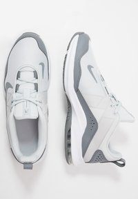Nike Performance - AIR MAX ALPHA TRAINER 2 - Sports shoes - pure platinum/white/cool grey - 1