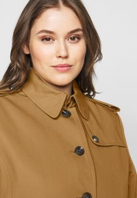 Tommy Hilfiger Curve - Trenchcoat - countryside khaki - 4