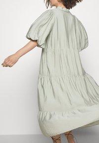 Gestuz - KIRITAGZ DRESS - Sukienka koszulowa - pale green - 6