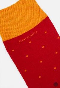 camano - SOCKS UNISEX 4 PACK - Ponožky - true red - 1