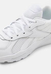 Reebok - XT SPRINTER - Neutral running shoes - white - 5