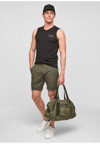 s.Oliver - Shorts - olive - 1