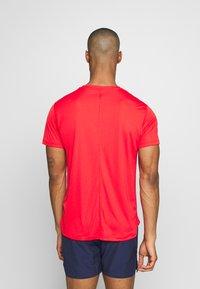 ASICS - Basic T-shirt - classic red - 2