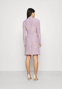 Closet - HIGH NECK MINI DRESS - Korte jurk - purple - 2