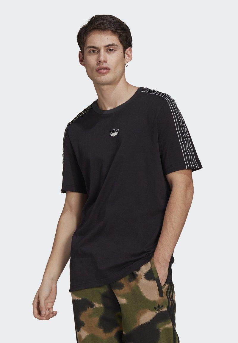 adidas Originals - STRIPE UNISEX - T-shirt med print - black/chalk white