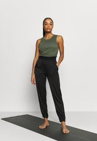 Casall - DRAPY MUSCLE TANK - Top - northern green - 1