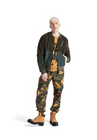 Timberland - YC CAMO UTILITY  - Spodnie treningowe - duffel bag/wheat boot house camo - 1