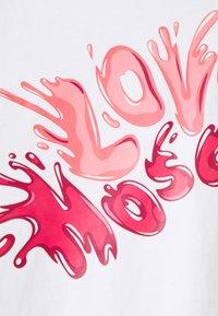 Love Moschino - Print T-shirt - light pink - 2