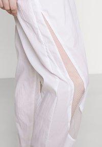 Nike Sportswear - PANT - Pantaloni sportivi - white - 3