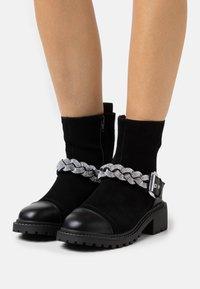 River Island Wide Fit - Cowboy/biker ankle boot - black - 0