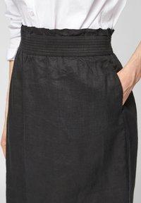 s.Oliver - A-line skirt - black melange - 4