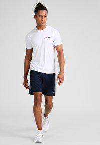 Fila - LOGO SMALL - Jednoduché triko - white - 1