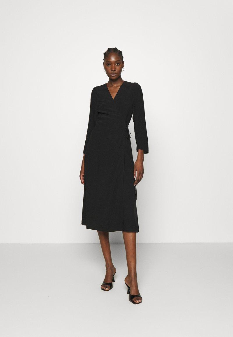 Samsøe Samsøe - BRITT WRAP DRESS - Day dress - black